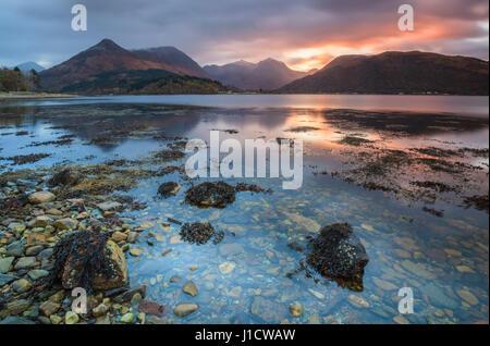 Loch Leven nelle Highlands scozzesi Foto Stock