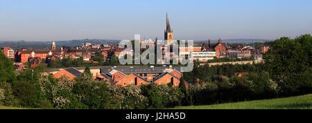 La guglia storta; St Mary Chiesa di tutti i santi; Chesterfield Town; Derbyshire; Inghilterra; Regno Unito Foto Stock