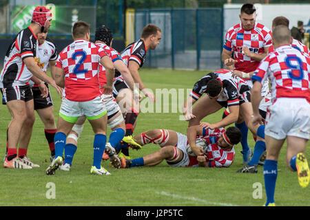 Zagabria, Croazia - 29 Aprile 2017: Rugby la Coppa Europea delle Nazioni Croazia vs. Malta. Giocatori di affrontare Foto Stock