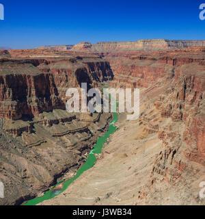 Il fiume Colorado in coda di pesce rapids area del parco nazionale del Grand Canyon, Arizona Foto Stock