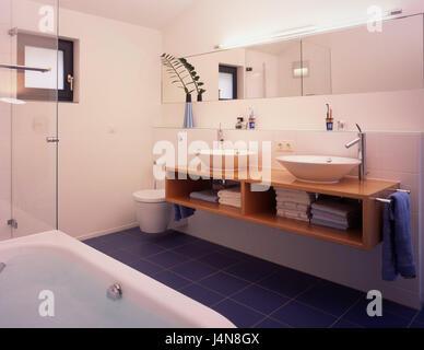 Credenza Da Bagno : Le stanze da bagno interior shot dettaglio lavandino vasca