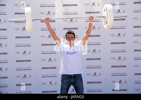 """Atleta Javier Gomez Noya durante un atto della firma """" Bridgestone '' (Persigue il tuo sogno supera gli ostacoli) Foto Stock"""