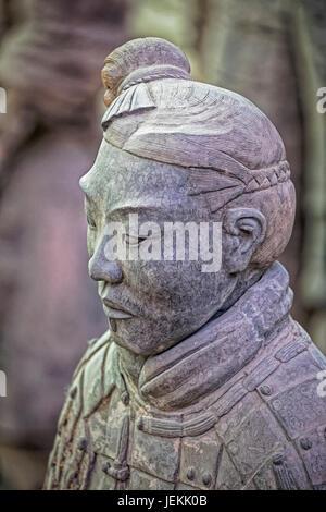 Il famoso Esercito di Terracotta, parte del Mausoleo del primo imperatore di Qin e un Sito Patrimonio Mondiale dell'UNESCO situato in Xian Cina Foto Stock