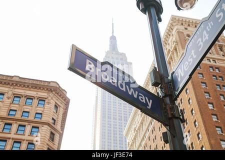 Segno di Broadway a New York Foto Stock