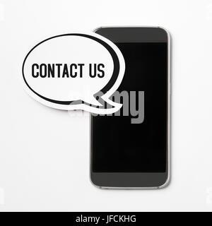 Contattaci Il testo in un discorso bolla con uno smartphone. Discorso palloncino tagliato dal cartone. Pulsante Foto Stock