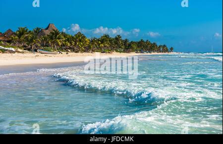 Spiaggia caraibica panorama, Tulum, Messico Foto Stock