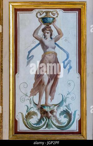 Dipinto di ciechi della finestra da Villa Farnesina, Roma, Italia Foto Stock