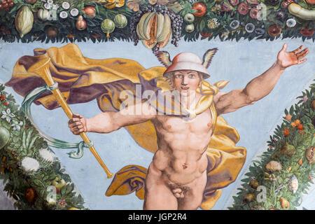 Il mercurio, Loggia di Cupido alla psiche, affresco di Giulio Romano, Villa Farnesina, Roma, Italia Foto Stock