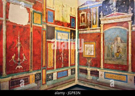 Affreschi rom la Villa della Farnesina nel Museo Nazionale Romano: Palazzo Massimo alle Terme di Roma, Italia Foto Stock