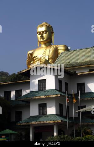 Dambulla Sri Lanka Golden ingresso del Tempio di Dambulla Rangiri Development Foundation e Golden Buddha Foto Stock