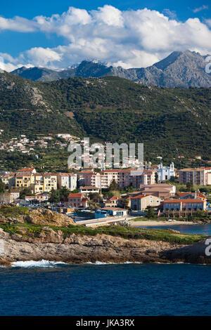 Francia, Corsica, Haute-Corse Reparto, La Balagne Ile Rousse, città vista dall'Ile de la Pietra Foto Stock