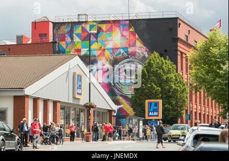 Bristol. 30 luglio 2017 UPFEST, la vernice urbano festival è in corso in Bristol. È il più grande d'Europa street Foto Stock