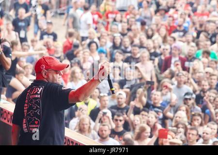 Kostrzyn, Polonia. Il 3 agosto, 2017. Jurek Owsiak, Festival fondatore e direttore, durante la XXIII Festival di Foto Stock