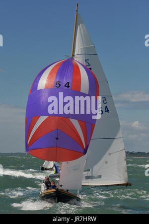 Cowes, Regno Unito. Il 4° agosto 2017. Lendy Cowes Week Vela tutte le classi vittoria di classe yachts Credito: Foto Stock