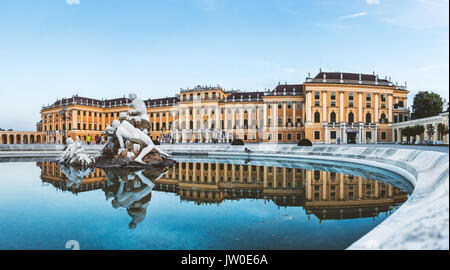 Bellissimo Palazzo di Schonbrunn a Vienna, in Austria Foto Stock
