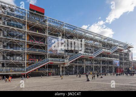 Centre Pompidou Centre national d'art et de culture Georges Pompidou, Beaubourg, high-tech o architettura brutalist Foto Stock