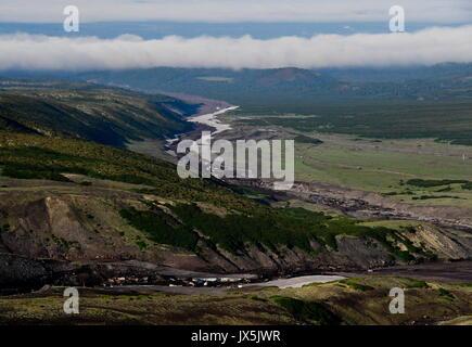 Territorio del Kamchatka, Russia. 12 Ago, 2017. Il piede di Avachinsky attivi Stratovulcano. Credito: Yuri Smityuk/TASS/Alamy Foto Stock