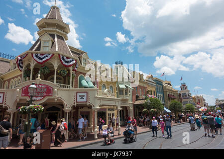Plaza gelateria sulla strada principale di Magic Kingdom, Walt Disney World, a Orlando, Florida. Foto Stock