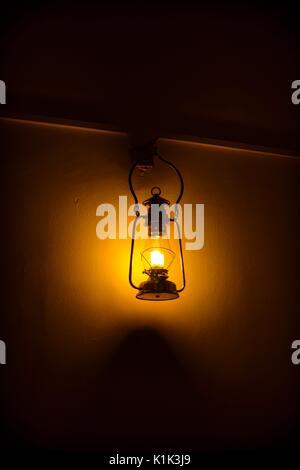 Vi è sempre la luce in ogni tenebra! Foto Stock