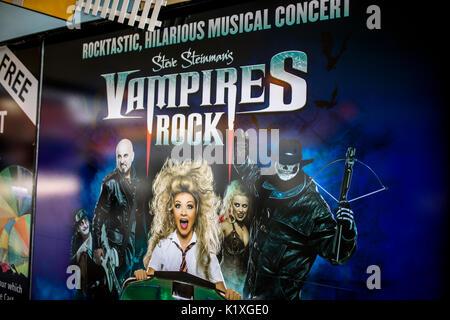 Vampire Rocks, musicale, poster, Westend, rock, Broadway, Londra, bella, bellezza, sangue, creatura crudele, scuri, Foto Stock