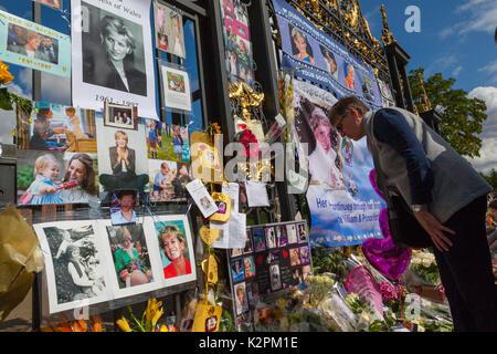 Londra, Regno Unito. 31 Agosto, 2017. Diana, ventesimo anniversario: Kensington Palace di Londra, Regno Unito. 31 Foto Stock