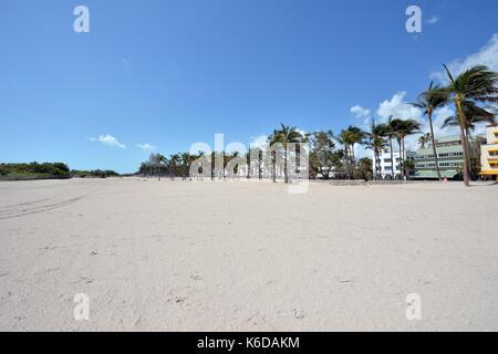 Miami beach, fl - 12 settembre: (esclusiva copertura) ***Nessuna ny dailies*** residenti aspettato ore per arrivare Foto Stock