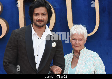Judi Dench,ali fazal,'Victoria & abdul' - uk premiere,odeon leicester square,london.uk Foto Stock