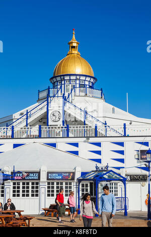 Inghilterra, East Sussex, Eastbourne, Eastbourne Pier Foto Stock