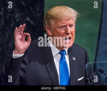 New York, Stati Uniti d'America, 19 settembre, 2017. Il Presidente degli Stati Uniti, Donald Trump risolve la sessione Foto Stock