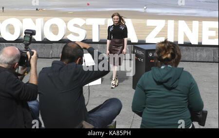San sebastian, Spagna. Xxv Sep, 2017. tedesco-romanian attrice Maria dragus pone dopo la presentazione del film Foto Stock