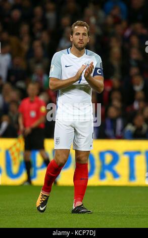 Harry Kane di Inghilterra durante la Coppa del Mondo FIFA Qualifier match tra Inghilterra e Slovenia allo Stadio di Wembley a Londra. 05 Ott 2017 Foto Stock