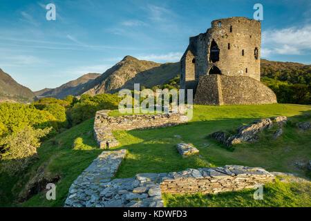 Dolbadarn Castle, Llanberis, Snowdonia, Gwynedd, Wales, Regno Unito Foto Stock