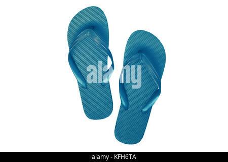 In gomma blu flip flop, isolato su sfondo bianco. Foto Stock