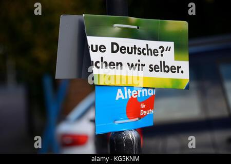 Distrutto cartellone elettorale del partito afd Foto Stock