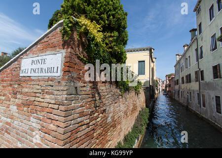 Città di Venezia Italia. una vista pittoresca del rio de la toresele canal vista dal ponte agli incurabili bridge. Foto Stock
