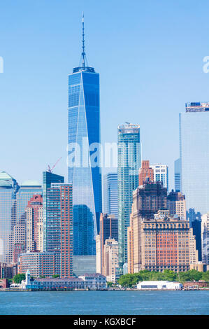 Skyline di New York City usa new york skyline skyline di manhattan con grattacieli tra cui la Freedom Tower Lower Foto Stock