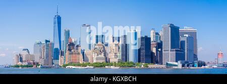 Panorama skyline di New York Stati Uniti New York skyline della città inferiore dello skyline di manhattan con grattacieli compresi la libertà cbd tower new york stati uniti d'America Foto Stock