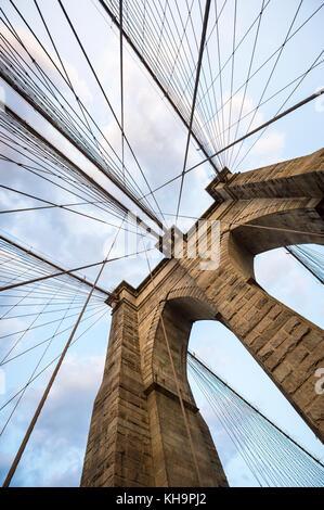 Ponte di Brooklyn New York City close up dettagli architettonici Foto Stock