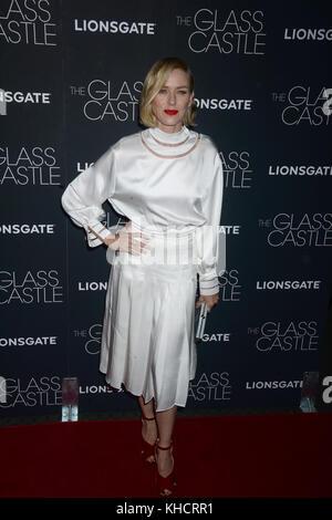 New york, ny - agosto 09: Naomi Watts assiste 'il castello di vetro' new york proiezione al Teatro sva il 9 agosto Foto Stock
