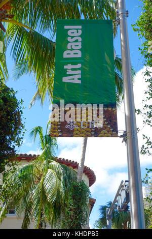 Art Basel 2017 segno su Lincoln Road Mall, South Beach di Miami, Stati Uniti d'America.