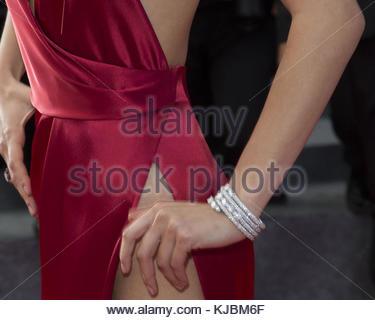 """Cannes, Francia - 18 maggio: bella hadid assiste """"la ragazza ignota (la fille inconnue)' premiere duirng l annuale Foto Stock"""