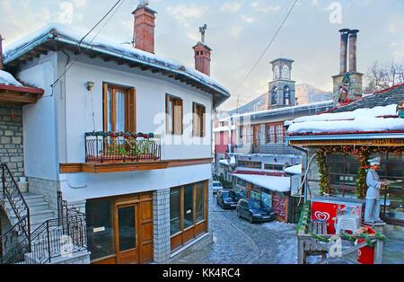 Metsovo, Grecia - 2 gennaio 2012: la piccola vlach città è la famosa località turistica in pindo, famoso per la Foto Stock