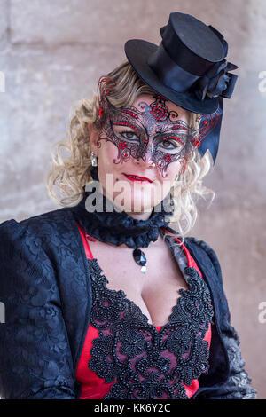 Una donna vestite per il Carnevale di Venezia, Italia Foto Stock