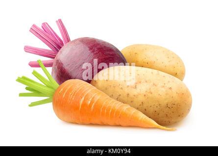 Isolato ortaggi a radice. materie carote, patate e barbabietole isolato su sfondo bianco con tracciato di ritaglio Foto Stock