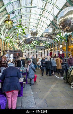 Il mercato delle mele, mercato di Covent Garden, decorazioni di Natale 2016, London, Regno Unito