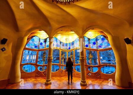 Casa Batlló di Antoni Gaudí architetto 1904-1906, Passeig de Gracia, Barcellona, in Catalogna, Spagna Foto Stock