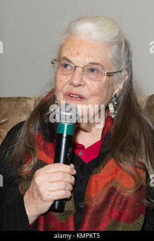 New york, Stati Uniti d'America. 8 dicembre, 2017. L'attrice lois smith assiste le domande e le risposte dopo il filmato di screening marjorie primo al core di credito club: lev radin/alamy live news