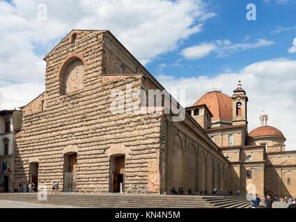 La Basilica di San Lorenzo (Basilica di San Lorenzo), Piazza San Lorenzo di Firenze (Italia). Foto Stock