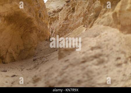 Passaggio al centro Canyon, Namibe deserto. Angola. Foto Stock