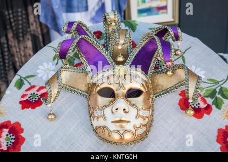 Primo piano della maschera nella vlllage veneziano di Burano, Venezia, Italia, Europa. Foto Stock